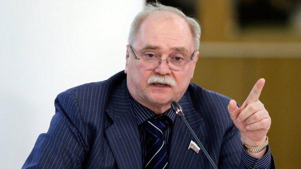"""Бортко раскритиковал слова Макаревича о """"злобных дебилах"""""""