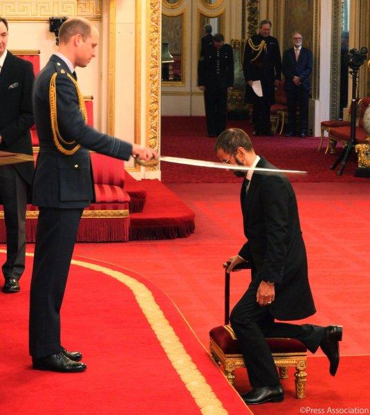 Экс-ударник The Beatles Ринго Старр посвящен в рыцари
