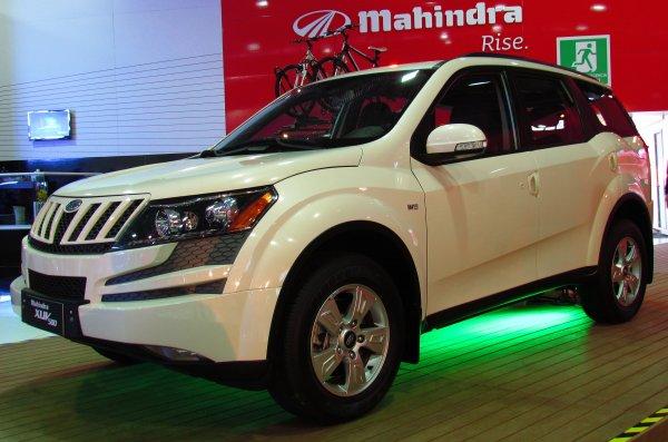 Обновленный кроссовер Mahindra XUV500 раскрыли до презентации