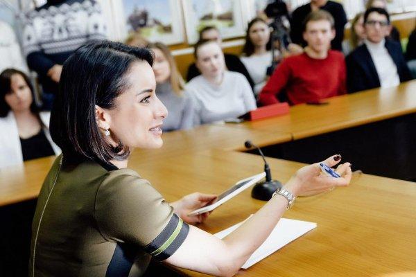 «ЕГЭ – нет!»: Тина Канделаки раскритиковала Единый государственный экзамен в РФ