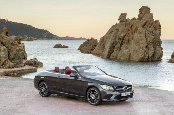 Mercedes-Benz представил обновлённые купе и кабриолет C-Class