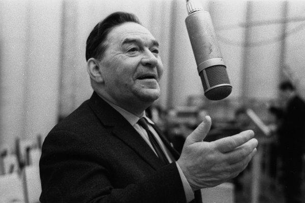 Леониду Утесову за съемки в «Веселых ребятах» дали лишь фотоаппарат
