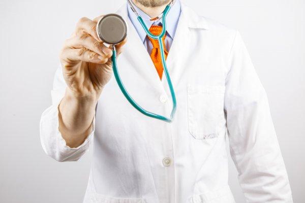 Средняя зарплата врачей в Москве превысила 130 тысяч рублей
