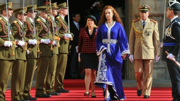 Король Марокко развелся с красавицей-женой