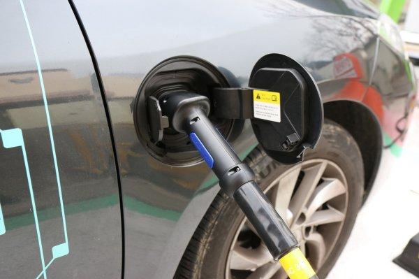 Ещё две станции бесплатной зарядки электромобилей появились в Красноярске
