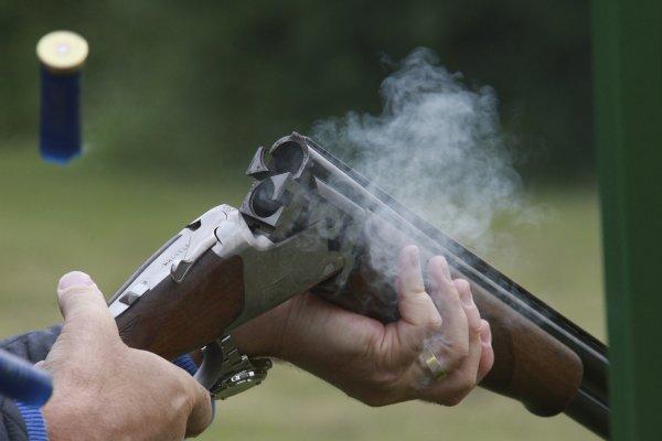 В Волгоградской области мужчина во время драки подстрелил обидчика