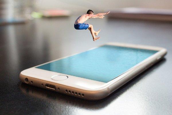 Сервисы Apple превзойдут по популярности iPhone через пять лет