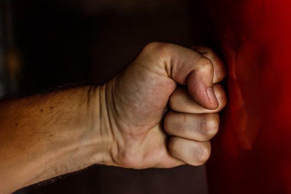 Под Новосибирском подростки зверски избили школьника