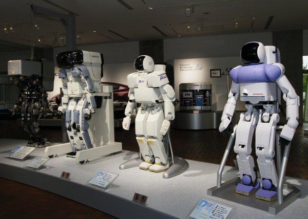 Технологические компании размещают вакансии «надсмотрщиков за роботами»