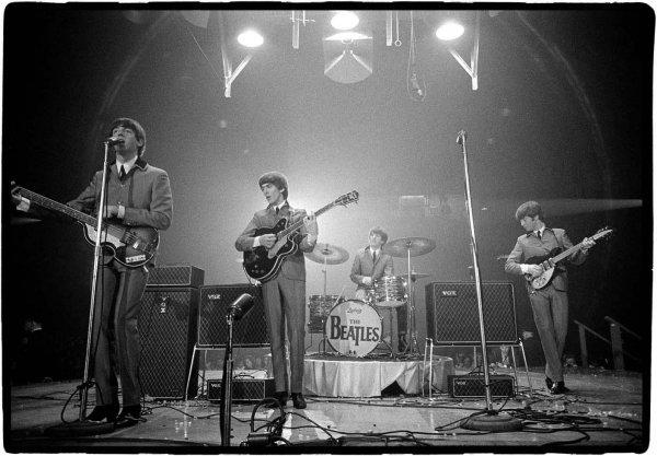 Фотографии первых гастролей The Beatles продали за 357 тысяч долларов