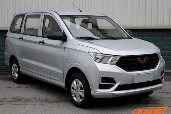 GM обновил популярный в Китае минивэн Wuling Hongguang S