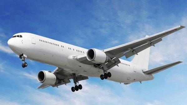 Лайнер компании Air Canada приземлился в Вашингтоне из-за дыма на борту