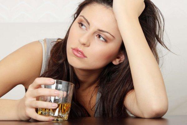 Названа самая необычная причина алкоголизма у женщин