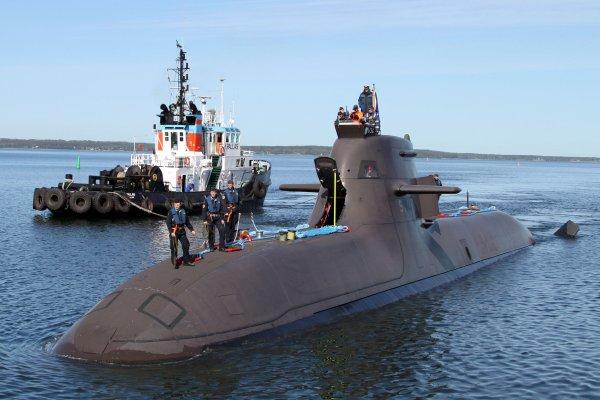 Авиация России заметила в Арктике субмарины НАТО
