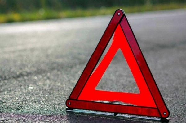 На Варшавском шоссе зафиксировали ДТП с участием скорой помощи и легковой машины