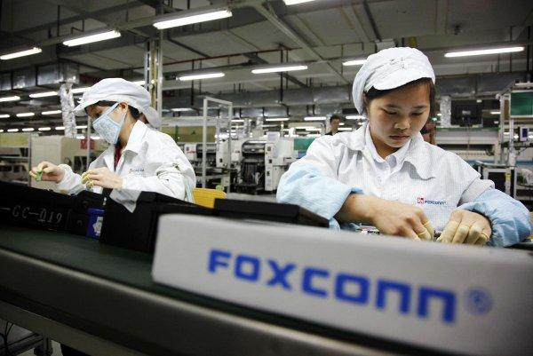Сборщик iPhone Foxconn выкупил компанию Belkin