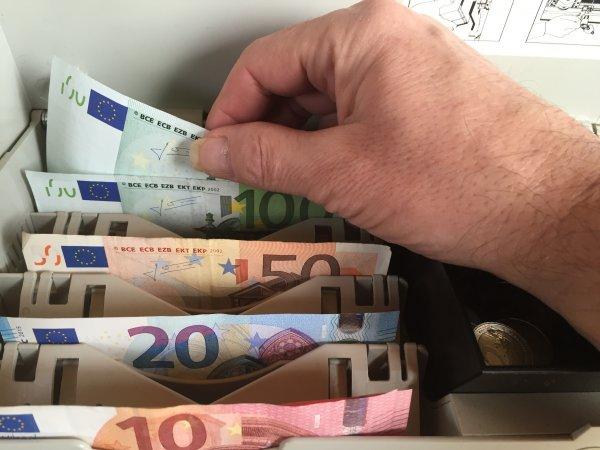 ФАС признала рекламу «Тинькофф банка» с кэшбэком незаконной
