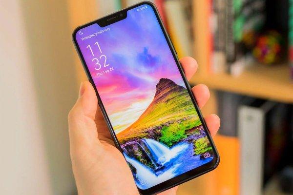 Смартфон LG G7 поступит в продажу с LCD и OLED-экранами