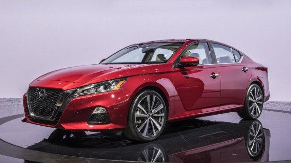 Седан Nissan Altima нового поколения официально представили в Нью-Йорке