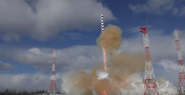 В Минобороны сняли на видео испытания баллистической ракеты «Сармат»