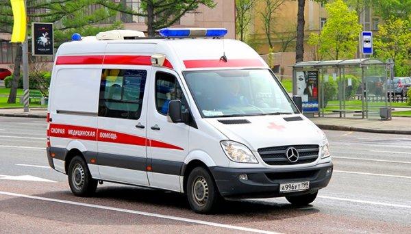 В Пензе в подъезде дома умер подросток