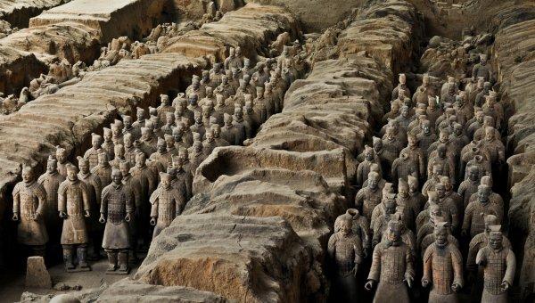 Более 500 древних артефактов нашли археологи в Китае