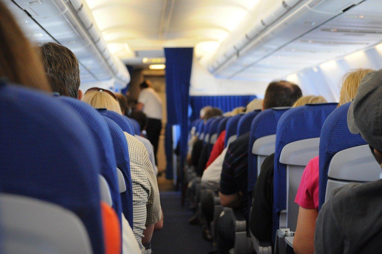 Авиакомпания «Аврора» внедрила для пассажиров развлекательную программу