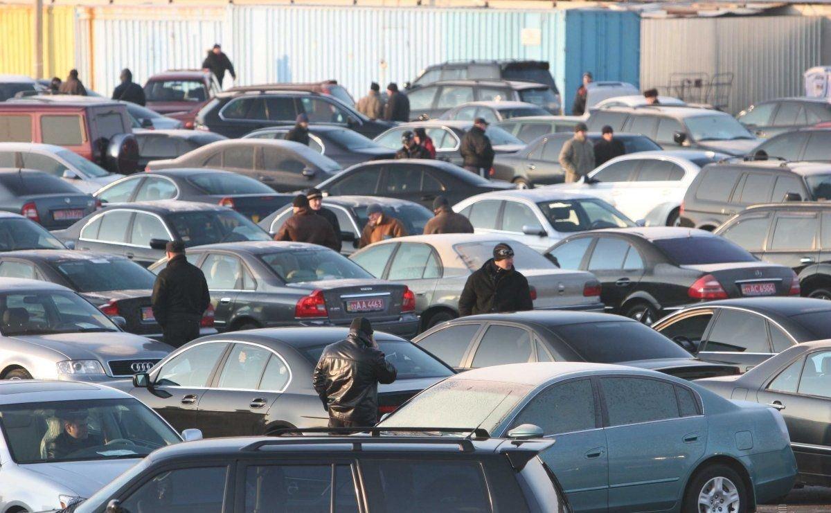 Рост продаж новых автомашин больше всего наУрале