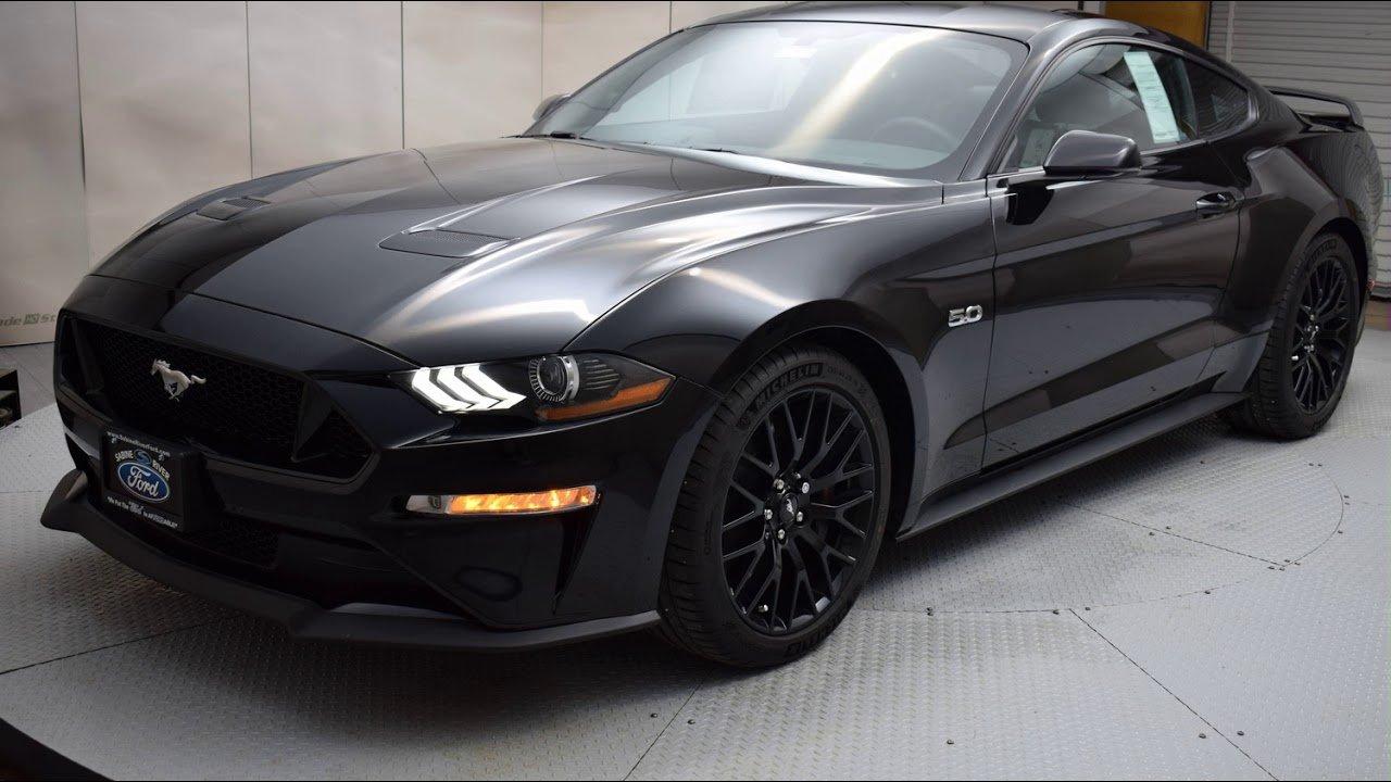 Производитель представил Форд Mustang Bullitt 2019 вцвете Shadow Black