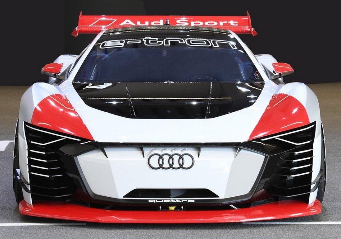 Audi представила новый электрический спорткар e-tron Vision Gran Turismo