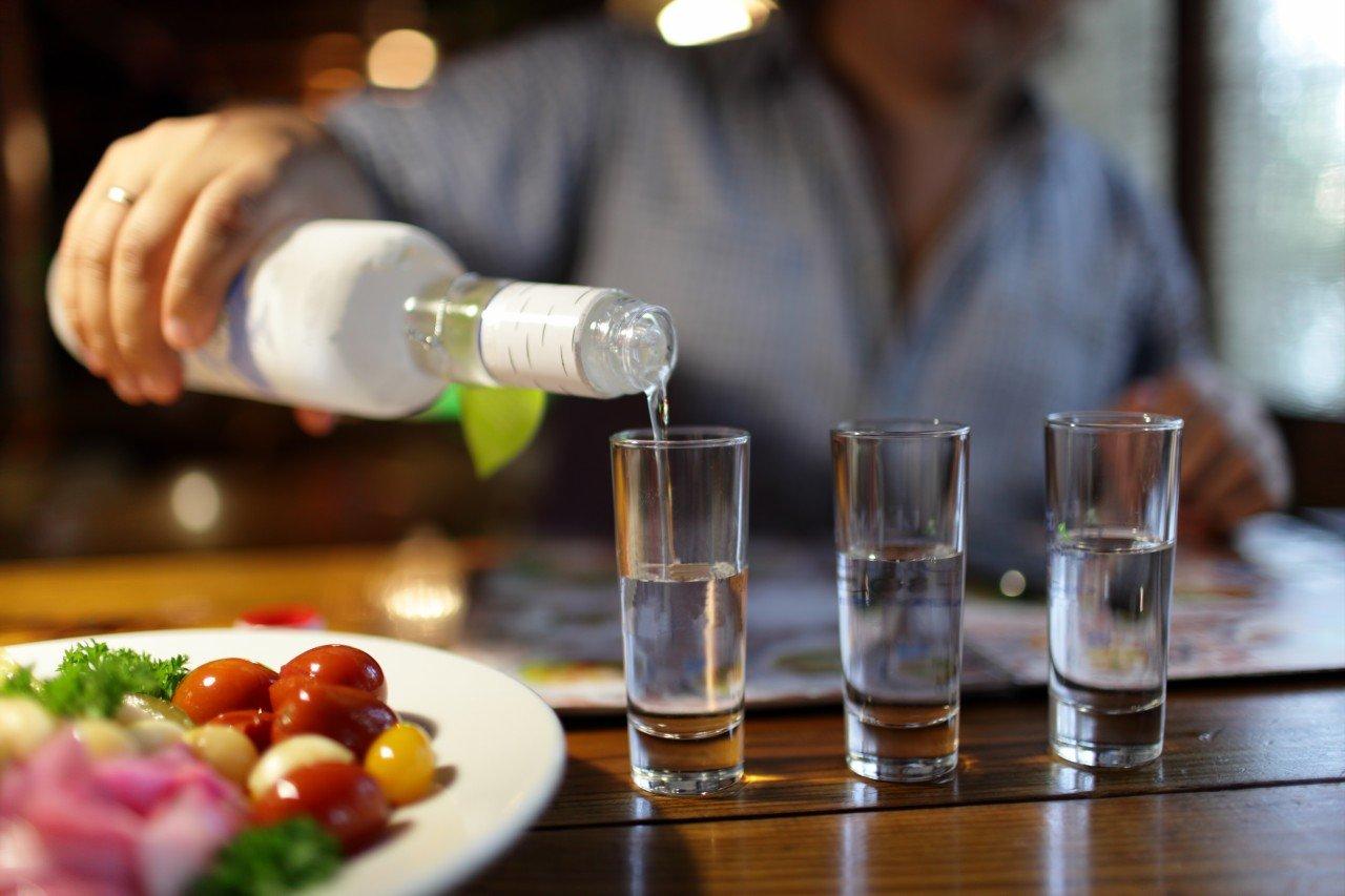 ВМинфине посоветовали уравнять цену на«слабую» и«крепкую» водку