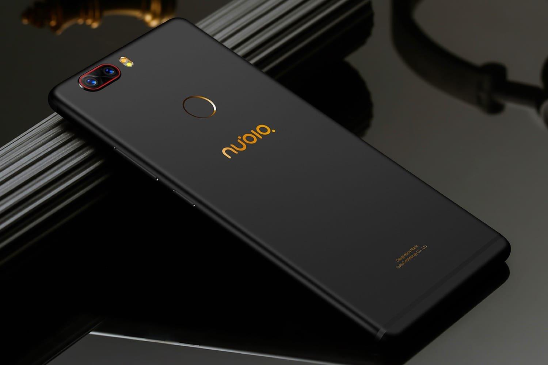 Nubia показала игровые смартфоны Red Magic
