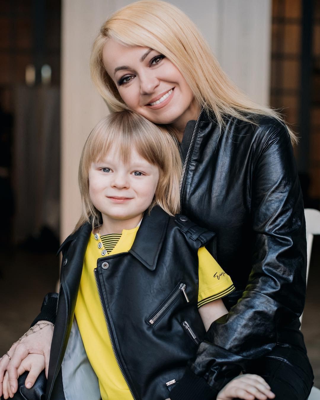 Картинки по запросу рудковская с сыном