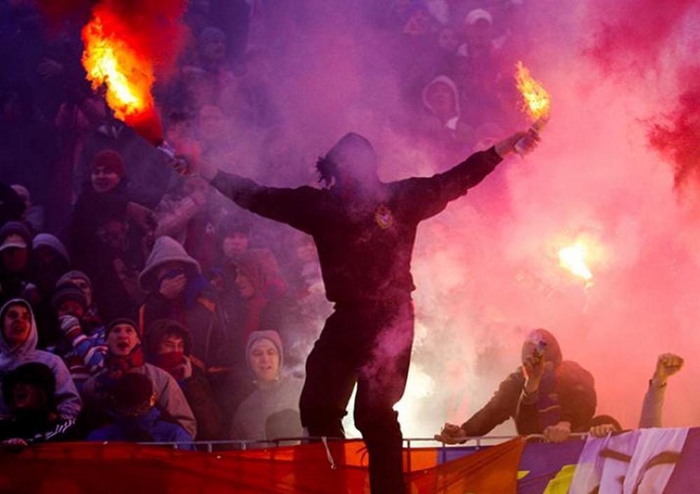 Болельщики ЦСКА скандировали расистские кричалки вовремя матча с«Арсеналом»