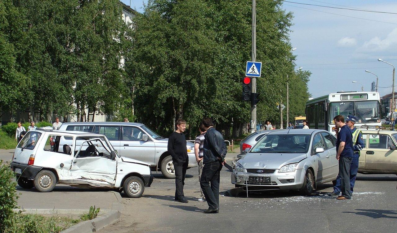 Три человека погибли вмассовом ДТП вНогинском районе Подмосковья