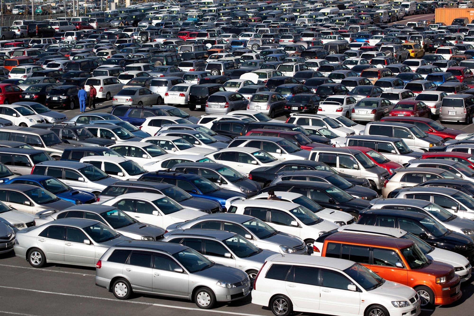Каждой десятой машиной в РФ  владеет юридическое лицо