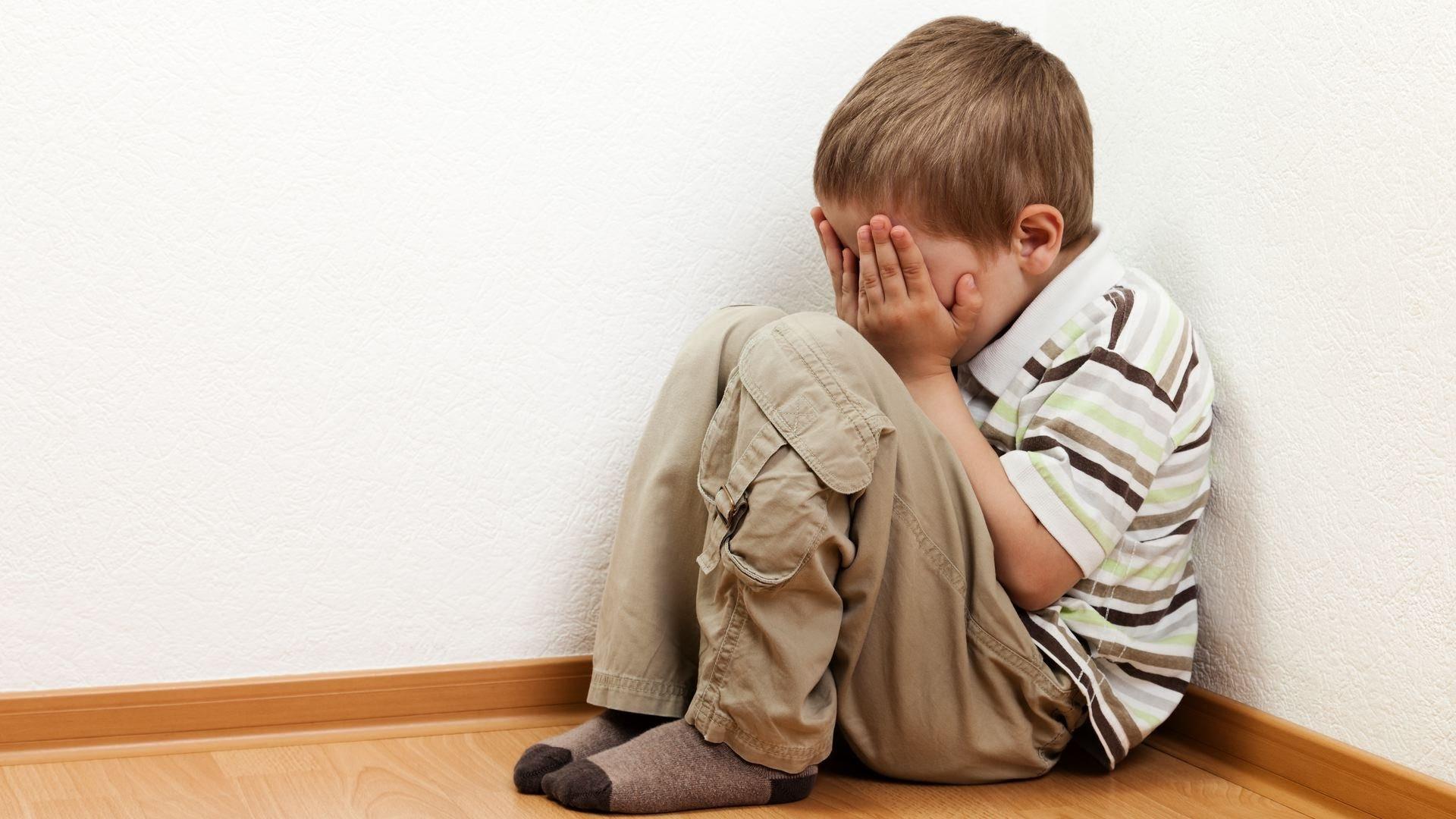 Кировская область обвинила мужчину, спаивавшего своего 6-летнего сына