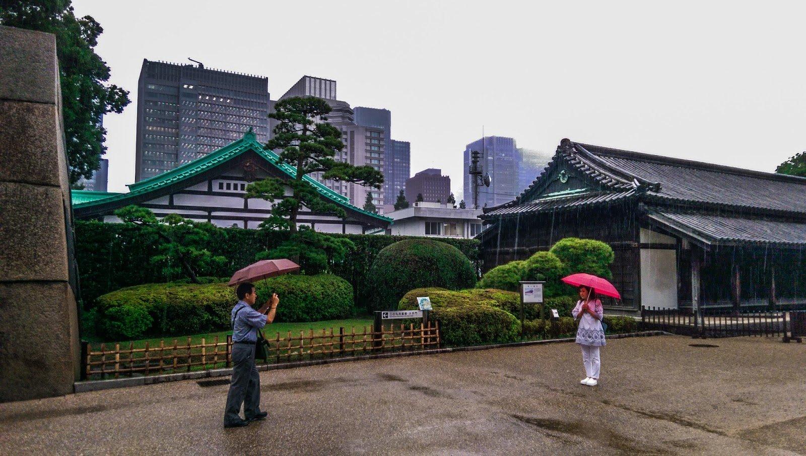 В основном районе Токио— Тиёда поошибке объявили угрозу теракта