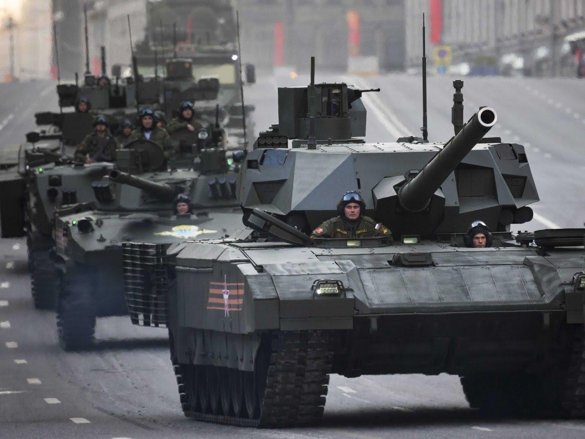 War IsBoring: наДне Победы Российская Федерация покажет новых военных роботов