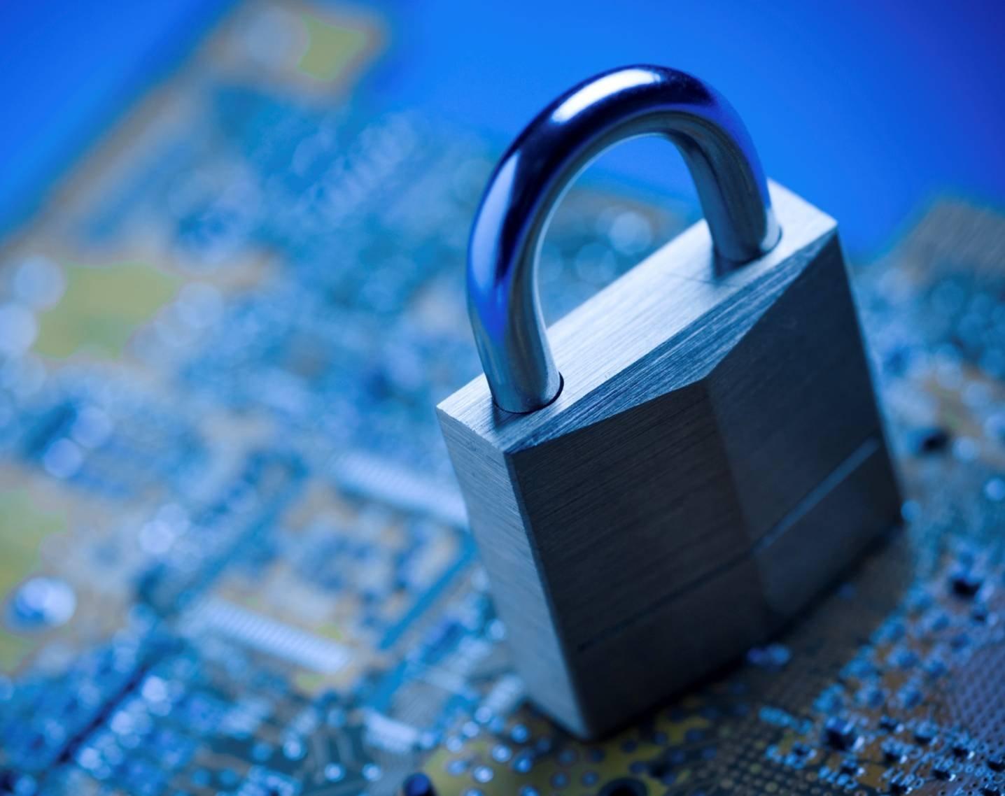 Твиттер поменял политику защиты личных данных