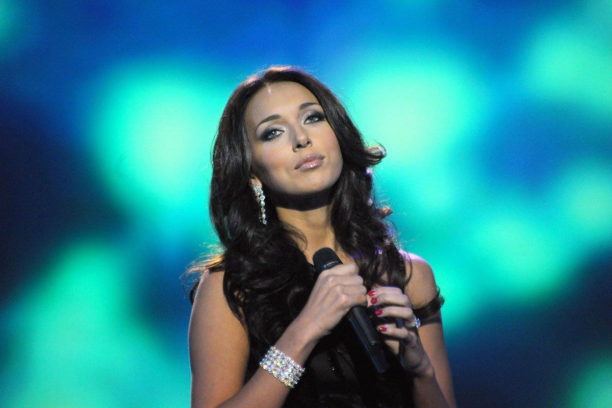 Фотографии популярных российских певиц эстрады