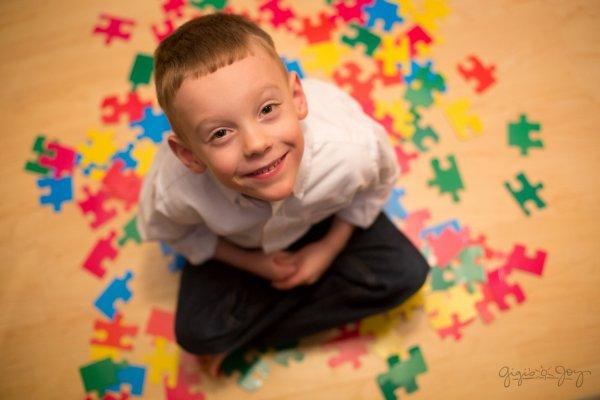 «ВКонтакте», Баста и фонд «Выход» выступили в поддержку людей с аутизмом