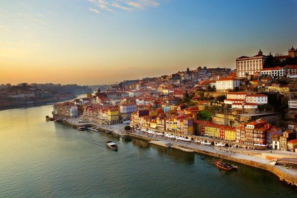 Португалия облегчает выдачу виз для России