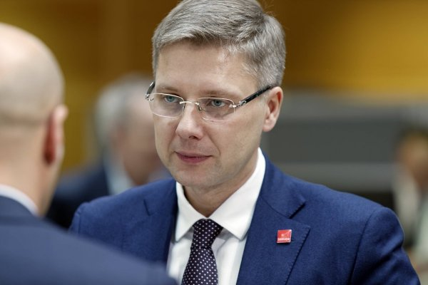 Мэр Риги Нил Ушаков намерен оспорить перевод русских школ в Латвии на национальный язык