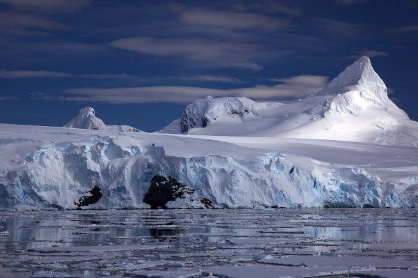 Учёные рассказали, что разрушает подводные льды Антарктики
