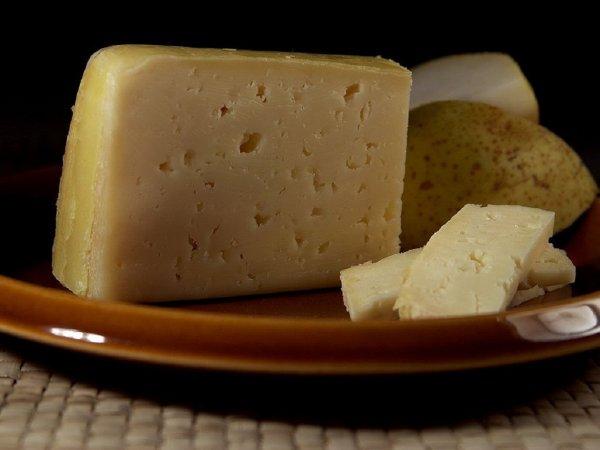 Роспотребнадзор ужесточит контроль за качеством дешевого сыра