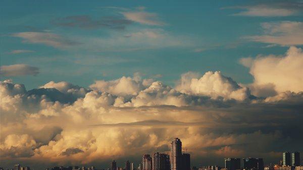 В Москве на разгон облаков потратят 400 млн рублей