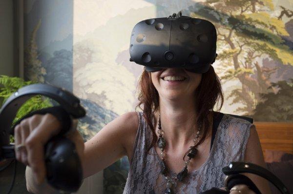 HTC раздаривает игры с использованием виртуальной реальности