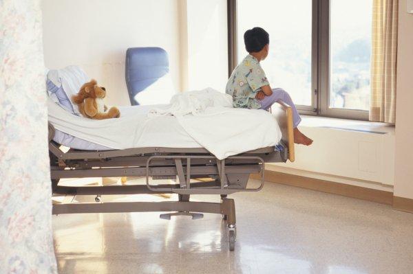 Заведующую клиникой в Ярославле оштрафовали за смерть 10-летнего мальчика