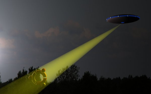 Над Сиднеем в грозовом небе заметили темные НЛО